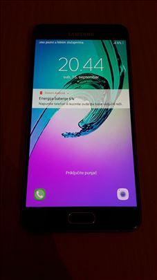 Samsung Galaxy A5 (2016) jako ocuvan