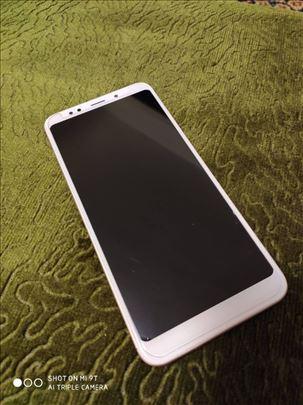 Prodajem Xiaomi Redmi 5+