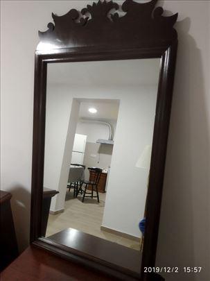 Ogledalo mahagoni
