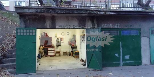Garaža Karaburma