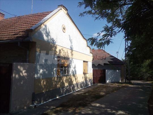 Кућа на продају у Кули