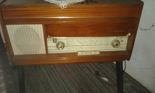 Radio safir sa gramofonom