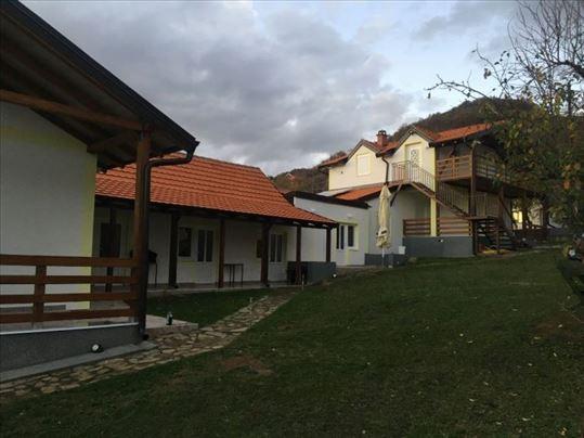 Kuća i plac u Prolom Banji na prodaju