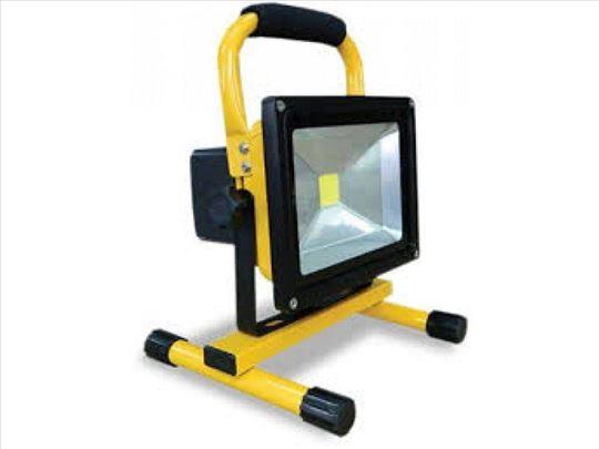 Prenosni punjivi LED reflektor 10w