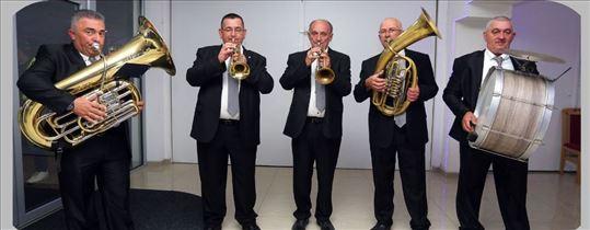 Solo truba,violina,crkveni hor za sahrane pogrebe
