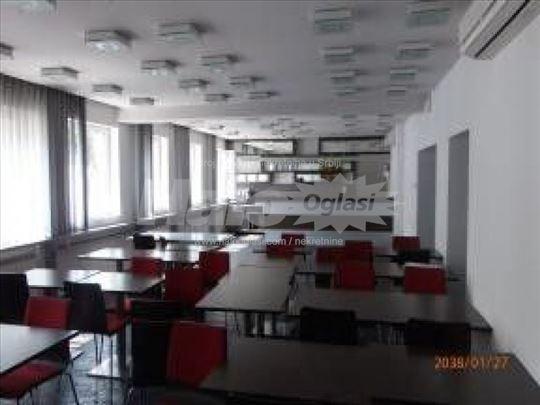 Moderan poslovni prostor na Bulevaru, kod Pravnog