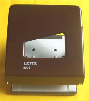 Leitz bušač papira
