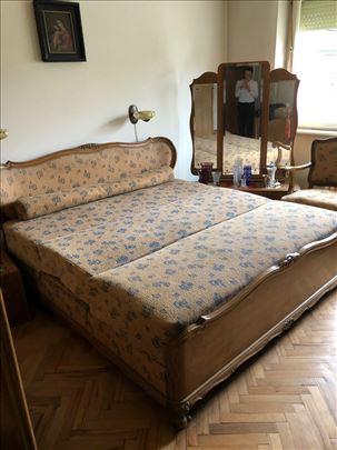 Cela spavaća soba iz 1920.