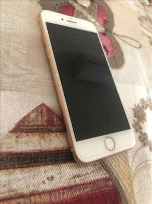iPhone 8 64gb odlicno stanje