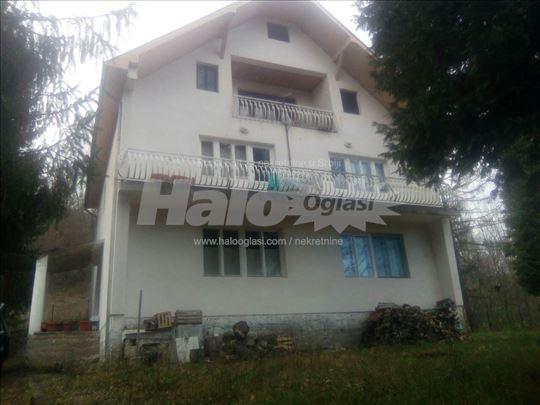 Kuća u okolini Arilja,200 kvadrata,malinarski kraj