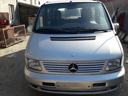 Mercedes V 230