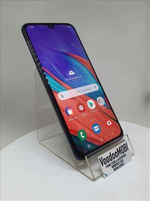 Samsung Galaxy A40 4/64GB Dual Simfree Garancija