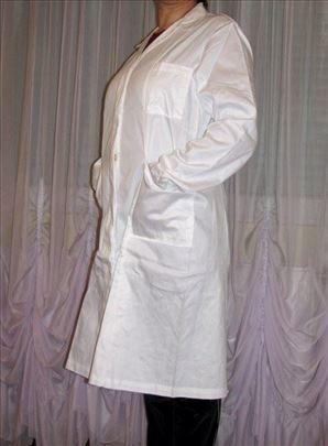 Beli mantili više veličina novo za praksu - radnju