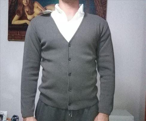Džemper broj 50 i 52 ili M i S