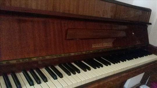 Pianino traži novog vlasnika