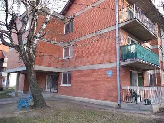 Prodajem stan u Negotinu