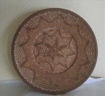 Ukrasni glineni tanjir