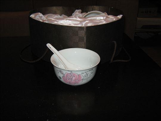 Činije za sos sa kašikama od porcelana