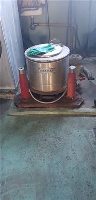 Mala industrijska centrifuga