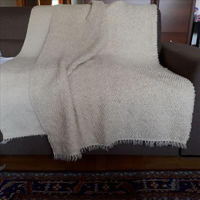 Vuneni prrkrivac od ciste vune