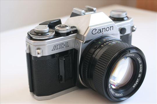 Canon AE-1 sa objektivom Canon FD 50mm f:1.4