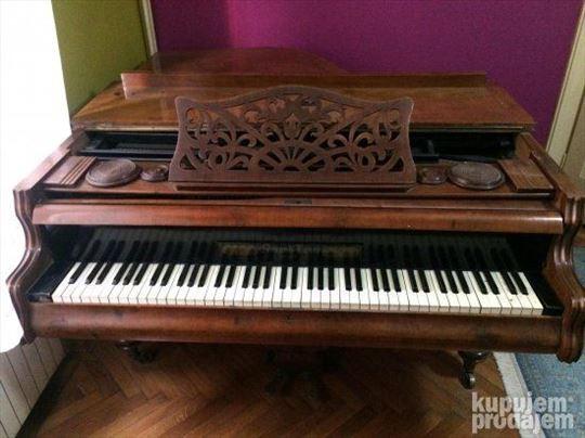 Polukoncertni klavir Edmund Luner Wien