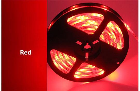 Crvena LED traka, 5 metara, 12v - novo