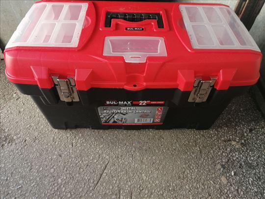 Kutija za alat sa metalnim kompčama 22' Novo
