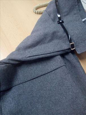 Sive tričetvrt pantalone br 46