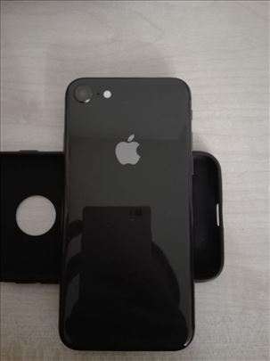 Iphone 8 odlican