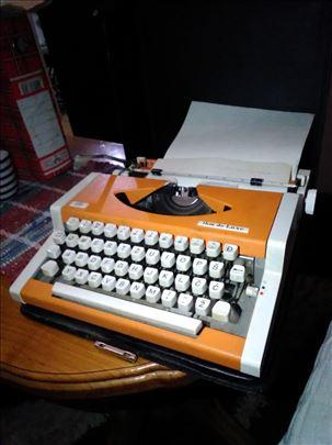 Pisaća mašina u koferu