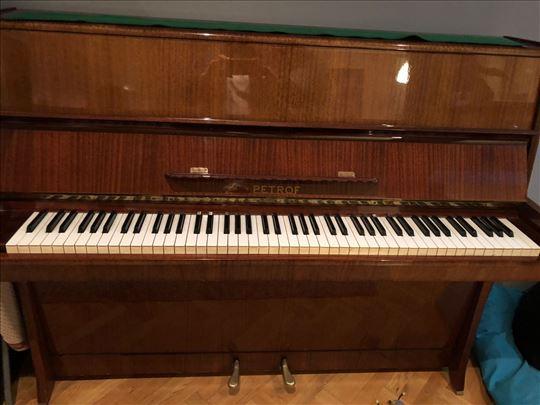 Prodajem pianino Petrof