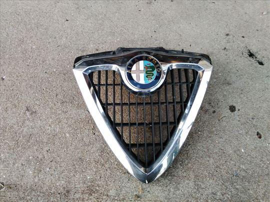 Prednja maska Alfa 156