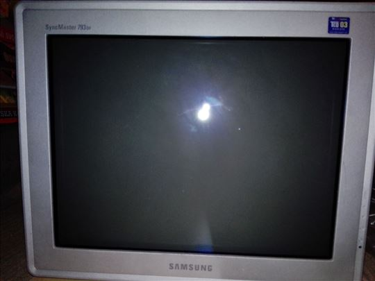 Samsung 793 DF syncmaster sivo crn