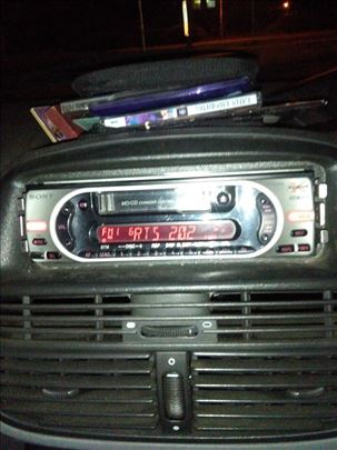Sony kasetofon za auto ispravan