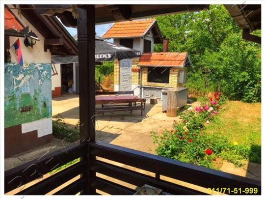 Etno selo, okolina Mladenovca, 307m2, 73 ara