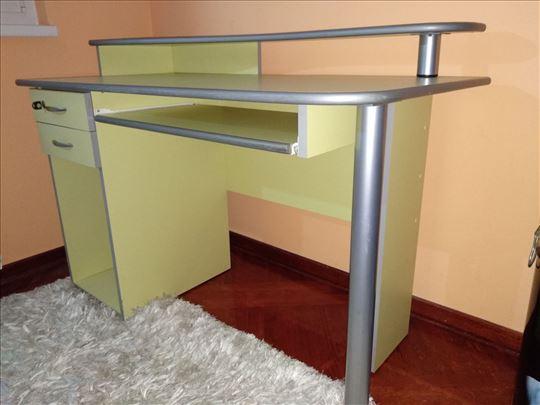 Radni sto za dečiju sobu