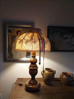 Drvena lampa