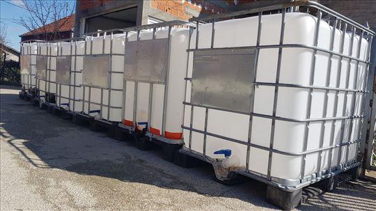 Cisterne/kanisteri/cisterna/tankovi za vodu