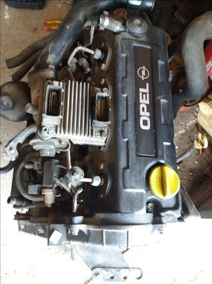 Motor za astru g 2003g.