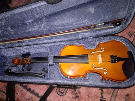 Violine 3/4 I 4/4 (cela) na prodaju