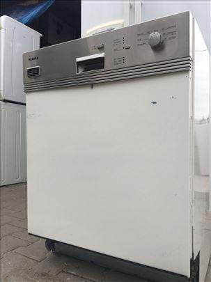 Miele ugradna sudo mašina 60cm 12 meseci garancija