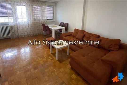4.0 renoviran stan u bloku 38 ID 36548