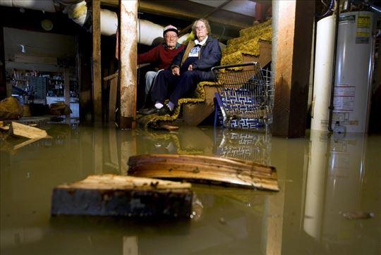 Ispumpavanje vode iz poplavljenih prostorija Bg