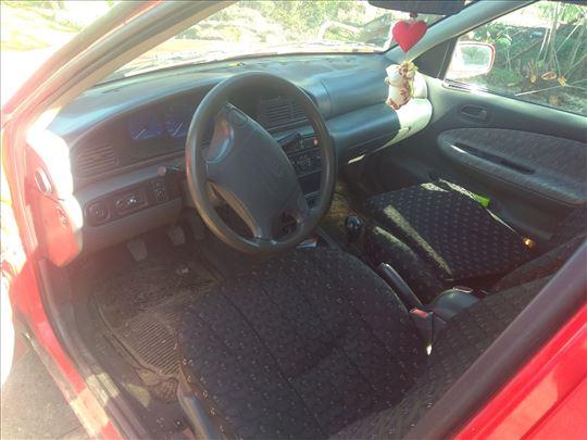 Kia Sephia 1998god 1600kubika razni delovi