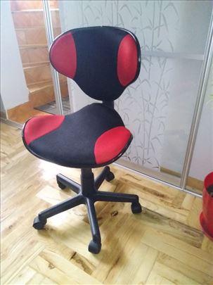 Anatomska stolica za sedenje