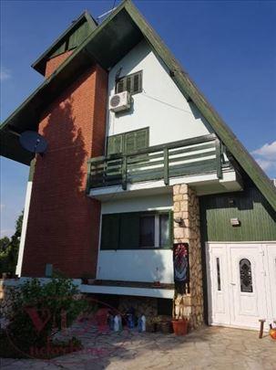 Novi sad, Sremska Kamenica, Lepa kuća sa bazenom-
