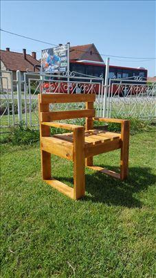Drvena stolica, fotelja