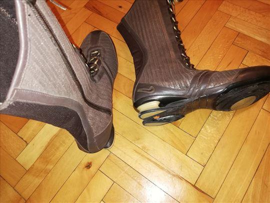 Patike Čizme broj 42, Nike shock