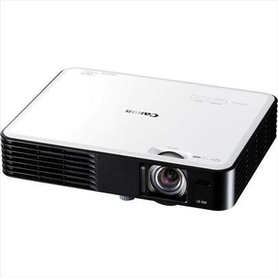 Kao nov projektor Canon LE-5W ,HDMI